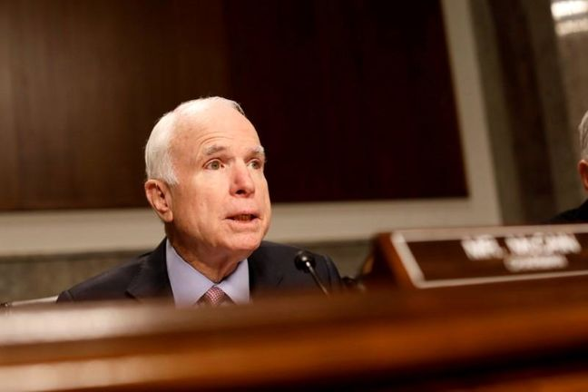 Senate advances on healthcare, with dramatic return by McCain