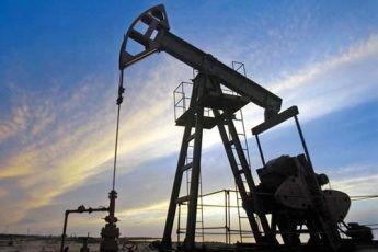 Oil up 3 percent on big U.S. gasoline draw; WTI back above $40