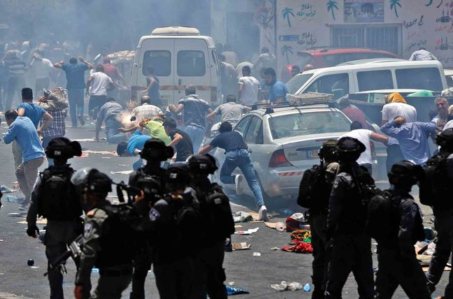 Three Palestinians, 3 Israelis Killed in Holy Shrine Unrest