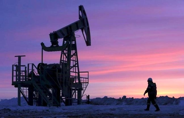 Oil recovers some losses but market still under pressure