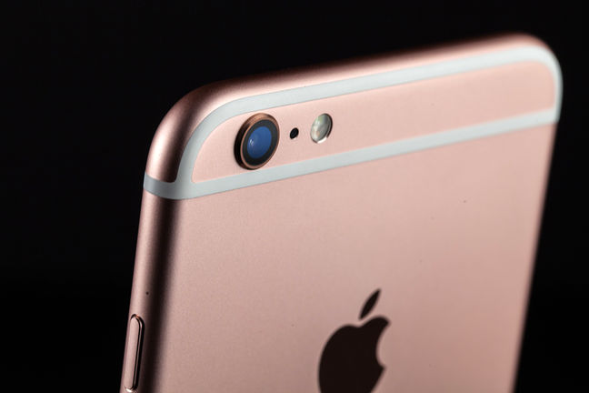 Apple's Forecast Signals Strong Sales of New iPhones This Year