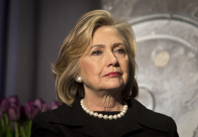 Clinton rejects Mexico invitation after Trump's diplomatic ruckus