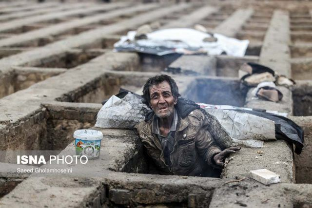 Photographs of homeless 'grave dwellers' shock Iranians