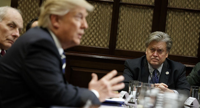 Bannon Says He's 'Going to War for Trump' After White House Exit