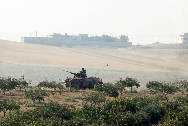 More Turkish tanks enter Syria in push against Islamic State, Kurdish militia