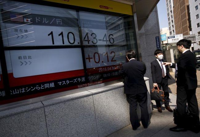 Asian shares rise, dollar firms after upbeat U.S. data