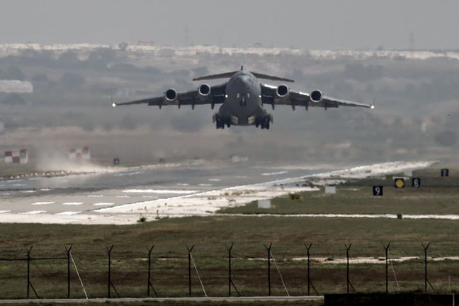 Russian jets kill over 200 Islamic State militants near Syria's Deir al-Zor: agencies