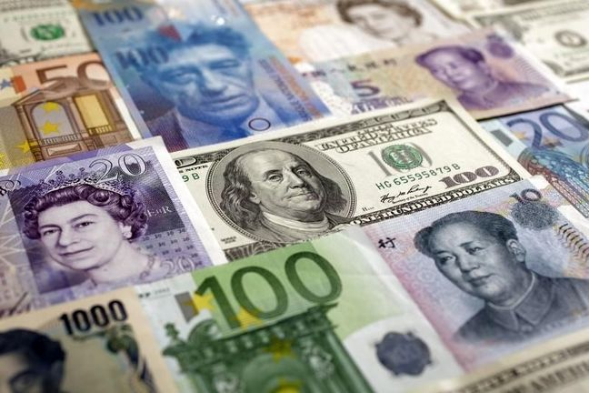 Dollar posts biggest quarterly drop in nearly seven years