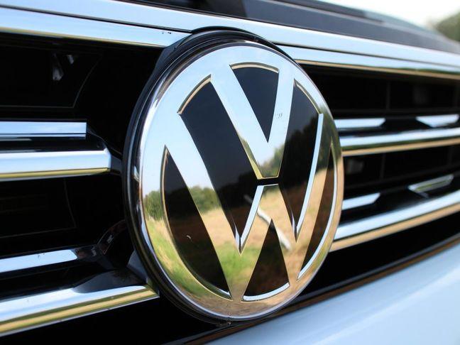 German Carmakers Urged to Challenge Tesla by Senior Merkel Aide