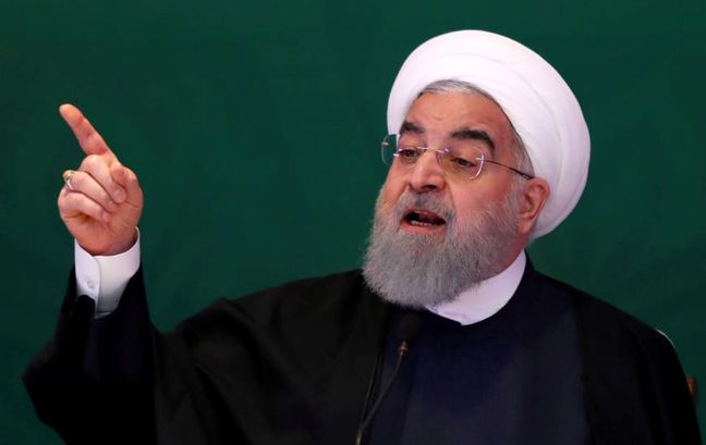Rouhani Meets Foreign Envoys on Revolution Anniversary