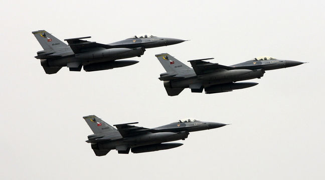 Turkish Jets Hit Kurdish Militant Strongholds in Iraq, Syria