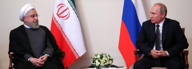 Rouhani, Putin Meet in Armenia