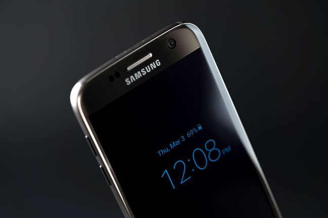 Samsung to launch AI assistant service for Galaxy S8
