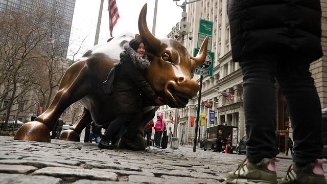 Asia follows Wall Street higher, upbeat U.S. data lifts dollar vs yen