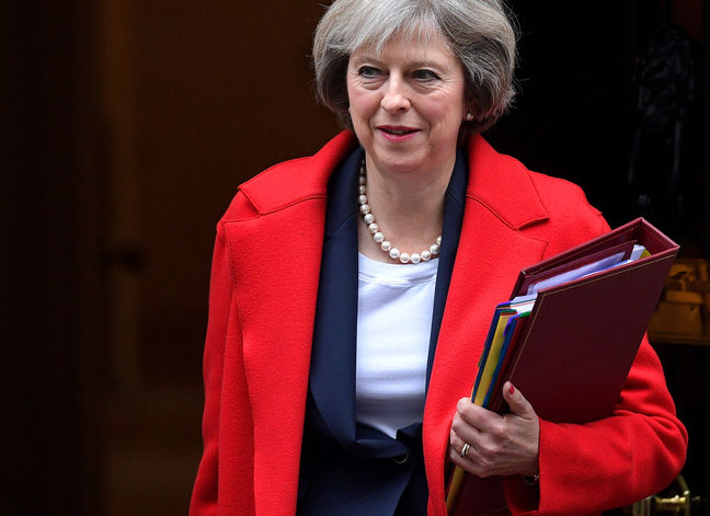 May Calls for Unity in 2017 as Divided U.K. Prepares for Brexit