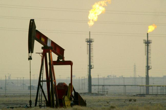 Saudi Arabia Seen Losing Market Share to Iran, Iraq on Oil Cuts