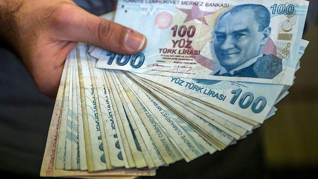Erdogan calls on Turks to convert dollar, euros into lira
