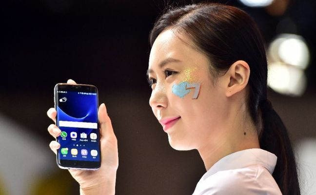 Samsung Elec flags stronger earnings from chips, phones after first quarter jump