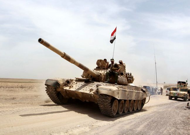 Many Islamic State leaders trying to flee to Syria: Iraqi minister