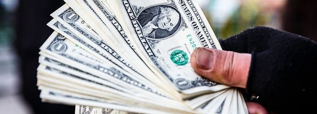 Dollar, Gold March Higher in Tehran Market