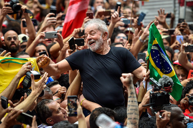 Lula Gets Ready for Clash With Bolsonaro