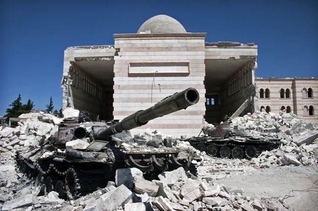 Jets pound Aleppo's rebel-held areas, defying U.S.