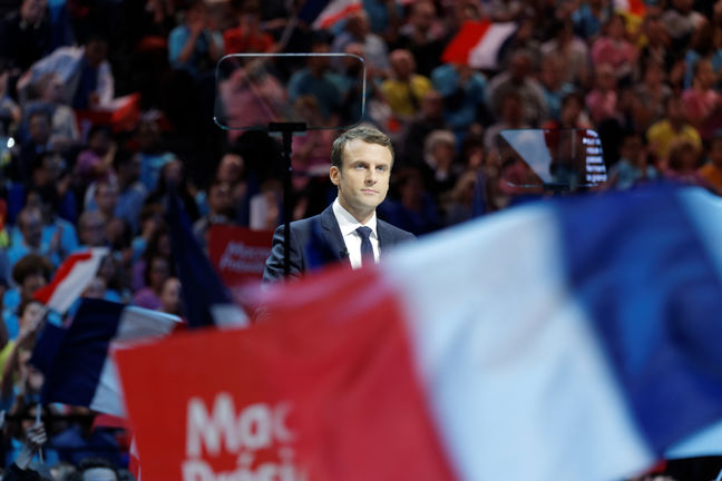 Macron stretches lead as French presidential campaign enters final day