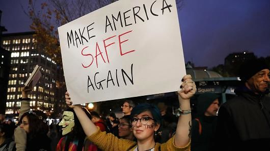 Thousands take to U.S. streets to protest Trump victory
