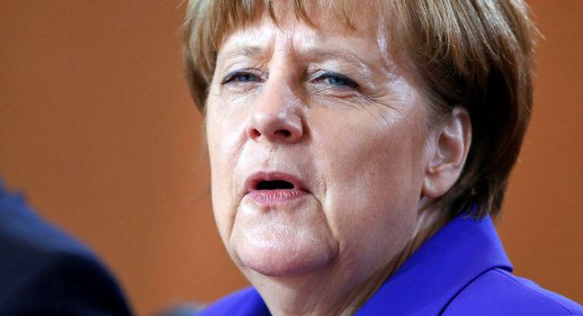 Merkel Fights Poll Slump in Test Run for Election Next Year