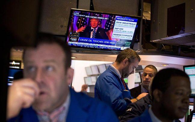 Stocks Rise, Dollar Slumps as Trump Woes Intensify