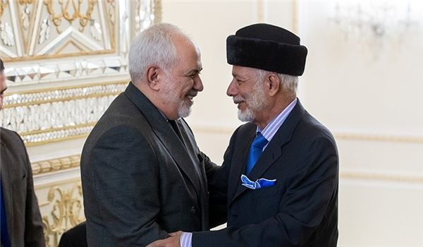 Zarif Holds Extensive Talks in Oman