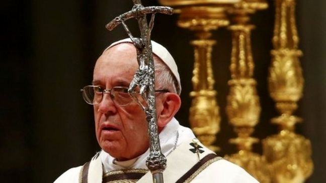 Pope says Christmas 'hostage' to materialism, God in shadows