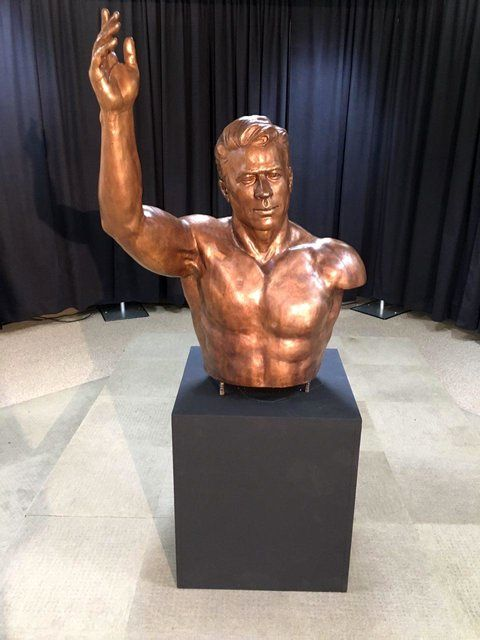 Iranian legendary athlete's statue unveiled in US