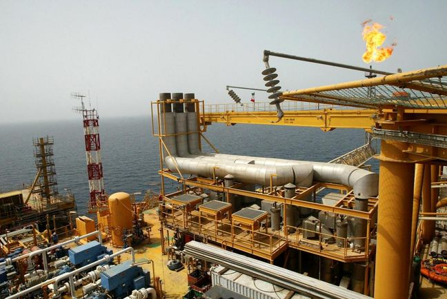 Sanctions Relief to Cut Iran's Oilfield Development Costs