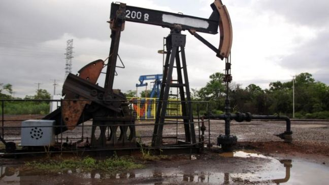 Venezuela's Maduro says oil producers close to output cap deal