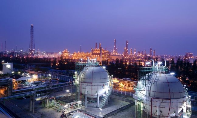 Iran Oil Ministry Minimizes Risk of New Sanctions