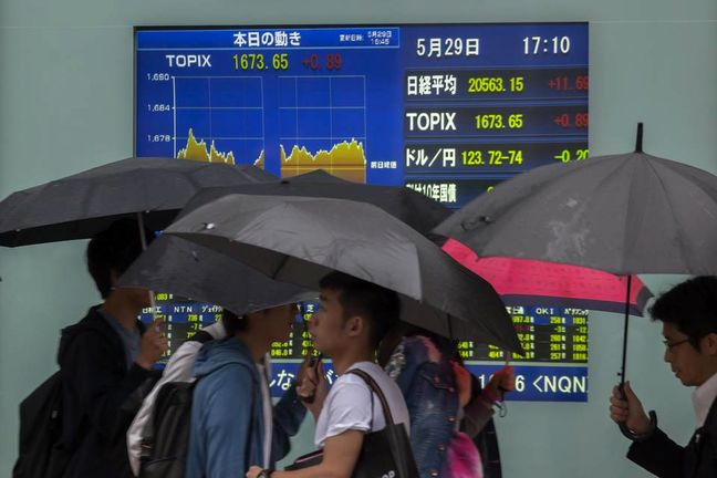 Asia Extends Global Gain as Yellen Buoys Stocks