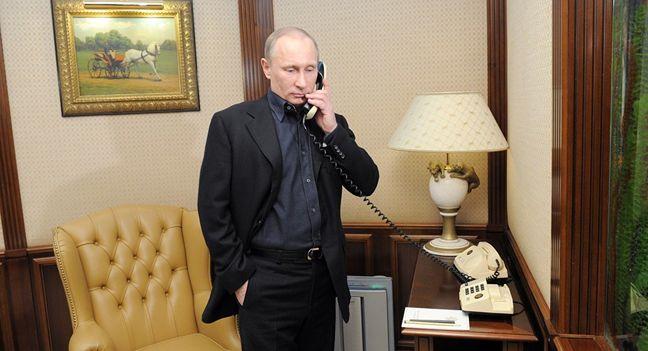 Trump, Putin Use First Formal Phone Call to Seek Better Ties