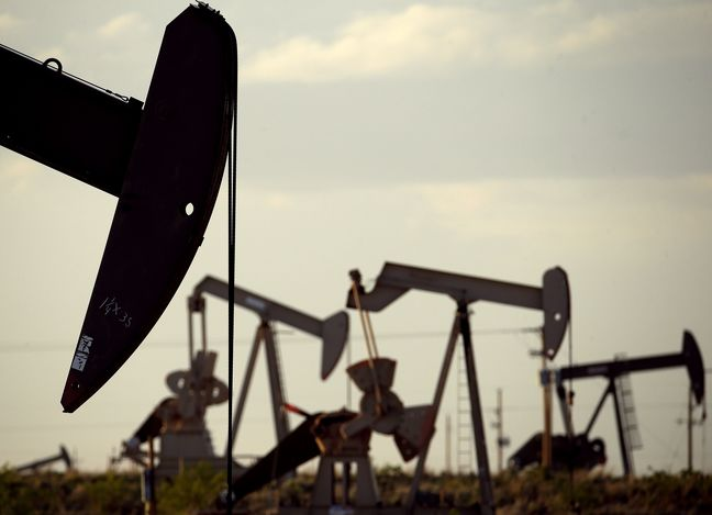 Oil Drops as U.S. Adds Drill Rigs While Iran Seeks Export Boost