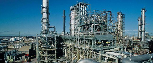Saudi Aramco-Motiva in lead to buy Lyondell's Houston refinery: sources