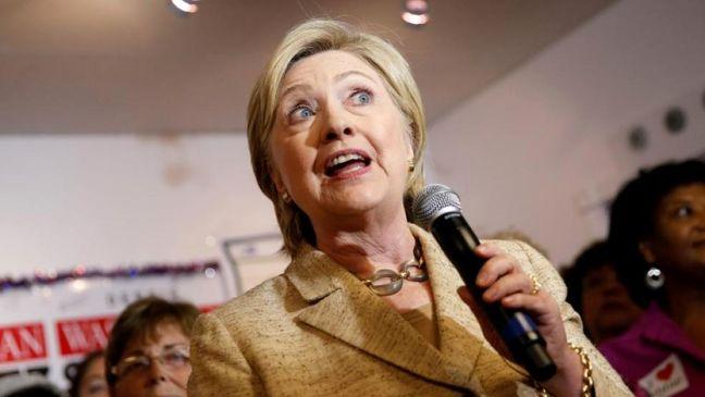 Clinton disparages Trump's economic plan, vows to help workers
