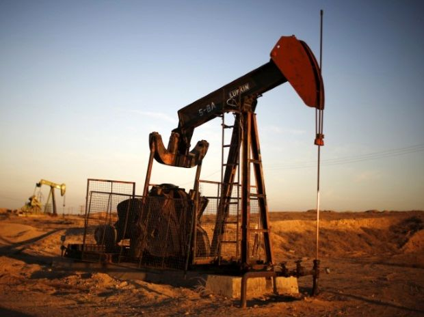 Oil Declines on Speculation U.S. Supply Gains Will Counter OPEC