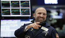 Global Stocks Extend Rebound; Treasuries Decline