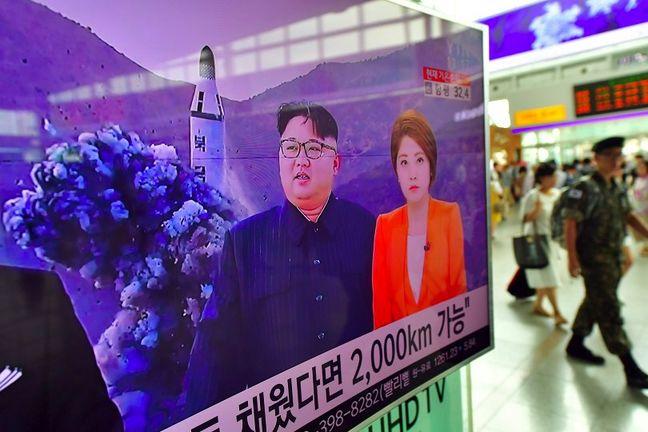 Asian Stocks Fall as North Korea Worries Persist