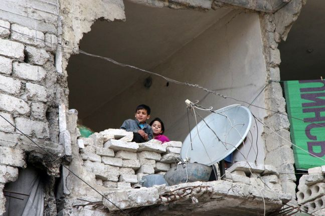 Russia, U.S. seek to prolong Syria truce but aid blocked, violence spreads