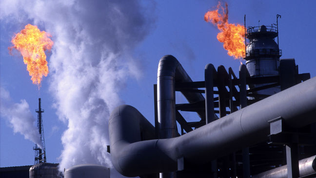 Iran's Oil-Market Share Grab Seen Dimming Hopes for Freeze Talks