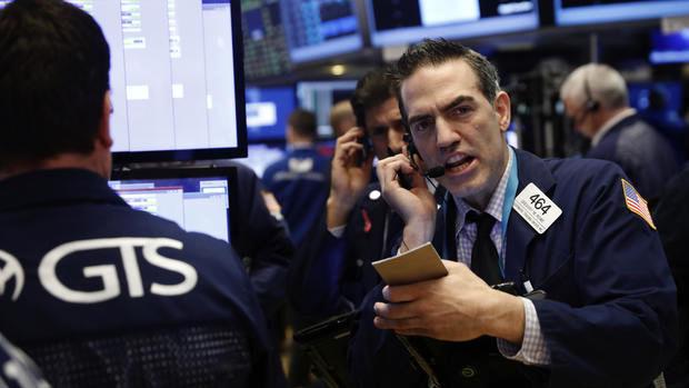 Nasdaq hits record; bank earnings validate Wall St. rally