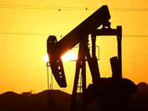 Oil Gains as US Shale Production Set to Fall Sharply