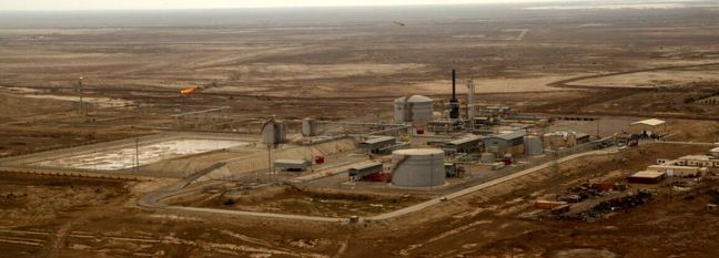 Khuzestan Producing Oil Despite Virus Resurgence